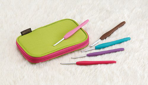 3673 Amour Crochet Hook Set With Zippered